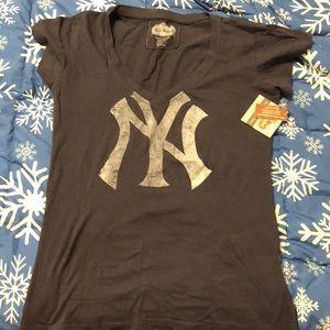 Tops - New York Yankees TShirt